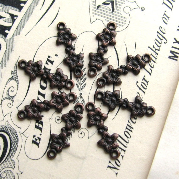 Tiny flowers link - 5mm x 13mm - black antiqued brass, 8 connectors, mini link, jewelry making supplies, antique black brass, floral link