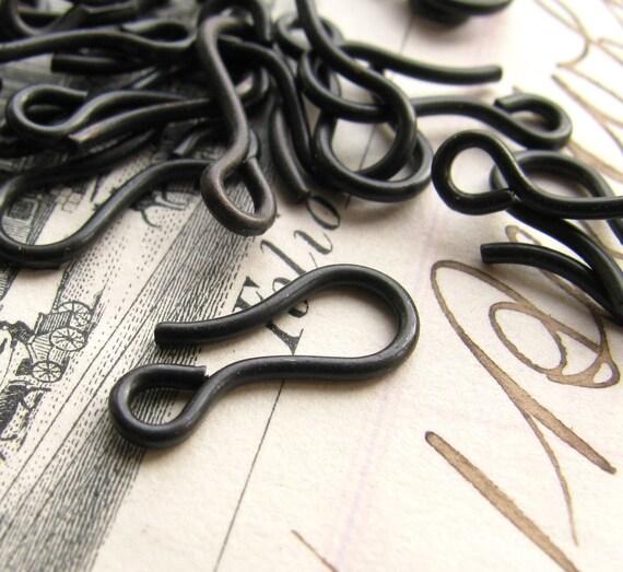 14mm hook clasp, dark antiqued brass (10 hooks) aged black patina, lead nickel free