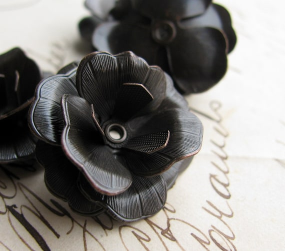 Sculpted black pansy - large three dimensional flower bead cap, multi layered  - dark antiqued brass (2 bead caps) BC-SV-024