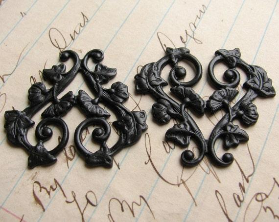 Scrolling morning glory vines, 30mm heart shaped floral link, ornament , black antiqued brass flowers valentine (2 filigree) OR-FF-009