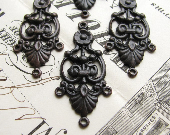 Decorative chandelier earring link - 35mm - dark antiqued brass (4 connectors) aged, black earring drop, oxidized ox patina LK-SV-001