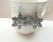 Christmas Snowflake Earrings (silver color)