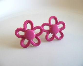 Retro Fuschia Flower Stud Earrings