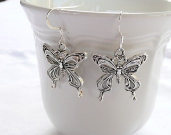 nd-CLEARANCE - Intricately Detailed Silver Tone Butterfly Dangle Earrings