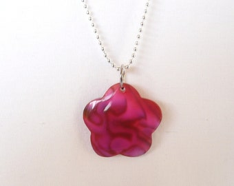 nnm-Pink Shell Flower on a Silver Plated Chain