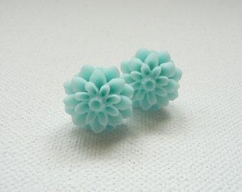 ns-Mint Resin Mum Stud Earrings