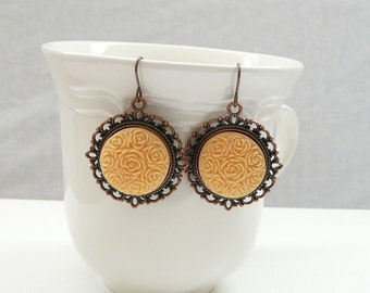 nd-Vintage Style Copper and Apricot Dangle Earrings