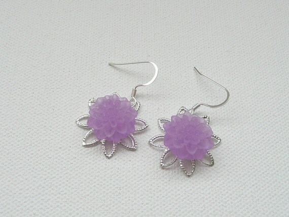 Bright Silver Filigree and Frosted Lavender Mum Dangle Earrings