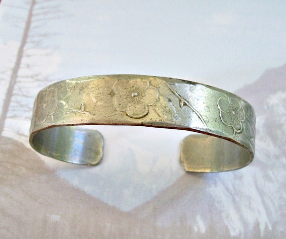 Vintage Wendell August Collectible Forged Hammered Pewter Cuff Bracelet Signed OOAK