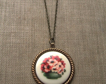 autumn bouquet. necklace, flower bouquet round cameo charm necklace, dangle necklace, antique brass, old fashioned, cute jewelry gift idea