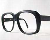 vintage horn rimmed black eyewear frames old school birth control retro fashion modern styles urban trends