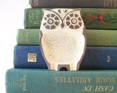 vintage owl mid century modern home decor woodland bird creature white silver metal ashtray retro mod style kitschy