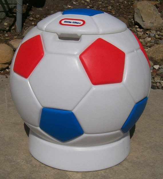 Vintage Red White And Blue Soccer Ball Toy Box Hamper Ice