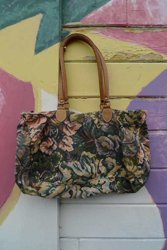 80s Floral Pastel Medium Sized Duffel Bag / Weekender
