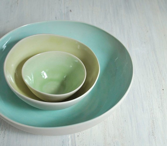 Nesting Bowls Modern Porcelain Pottery Bowl Set in White, Green, Yellow and Aqua