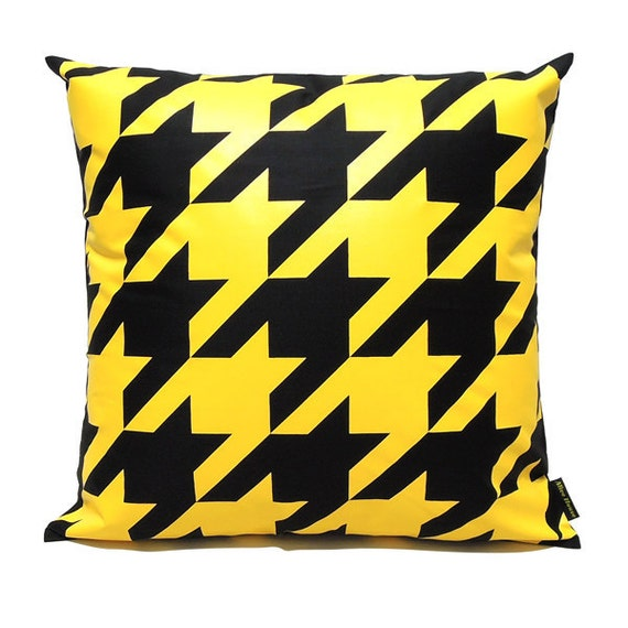 """SALE 20% OFF-Houndstooth Pillow Cover-Yellow printed in black cotton-16""""(40CM)"""