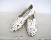 Vintage Cut Out Lace Up Leather Spring Fashion White Oxford Flats Womens size 8