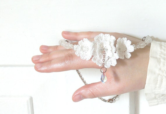 Crochet Boho Chic Necklace, Earrings Set, White Flower, Large Crystal, Beach Wedding Jewelry, Bridal Jewelry, Special Occasion Jewelry