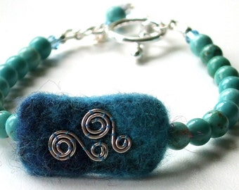 Sterling Silver Turquoise Gemstone and Felt Bracelet
