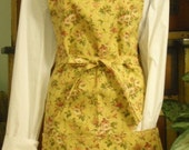 Waverly Hollywood N Vine Apron in Yellow with Pockets