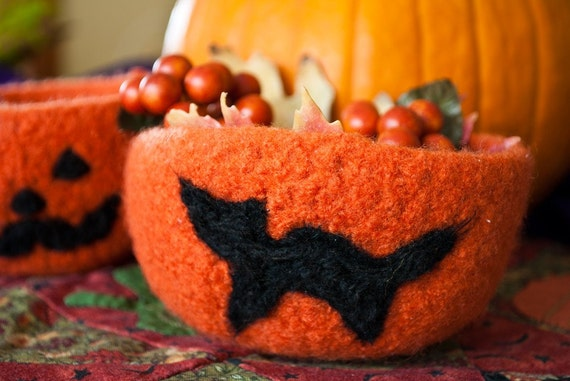 Halloween Candy Bowl - Felted Black Cat