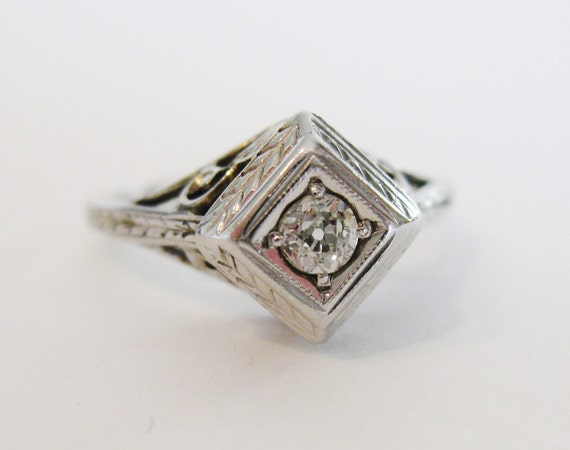 Vintage 1920 s Art Deco Diamond Engagement Ring