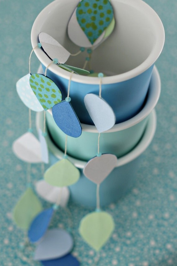 Large Tear Garland - Spearmint