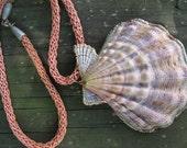 Retro Shell Pendant Necklace / Estate Jewelry /  Seventies Necklace / Beach Nature Jewelry / Shell Jewelry