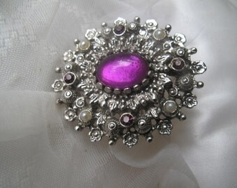 Sarah Coventry Vintage Brooch Estate Jewelry