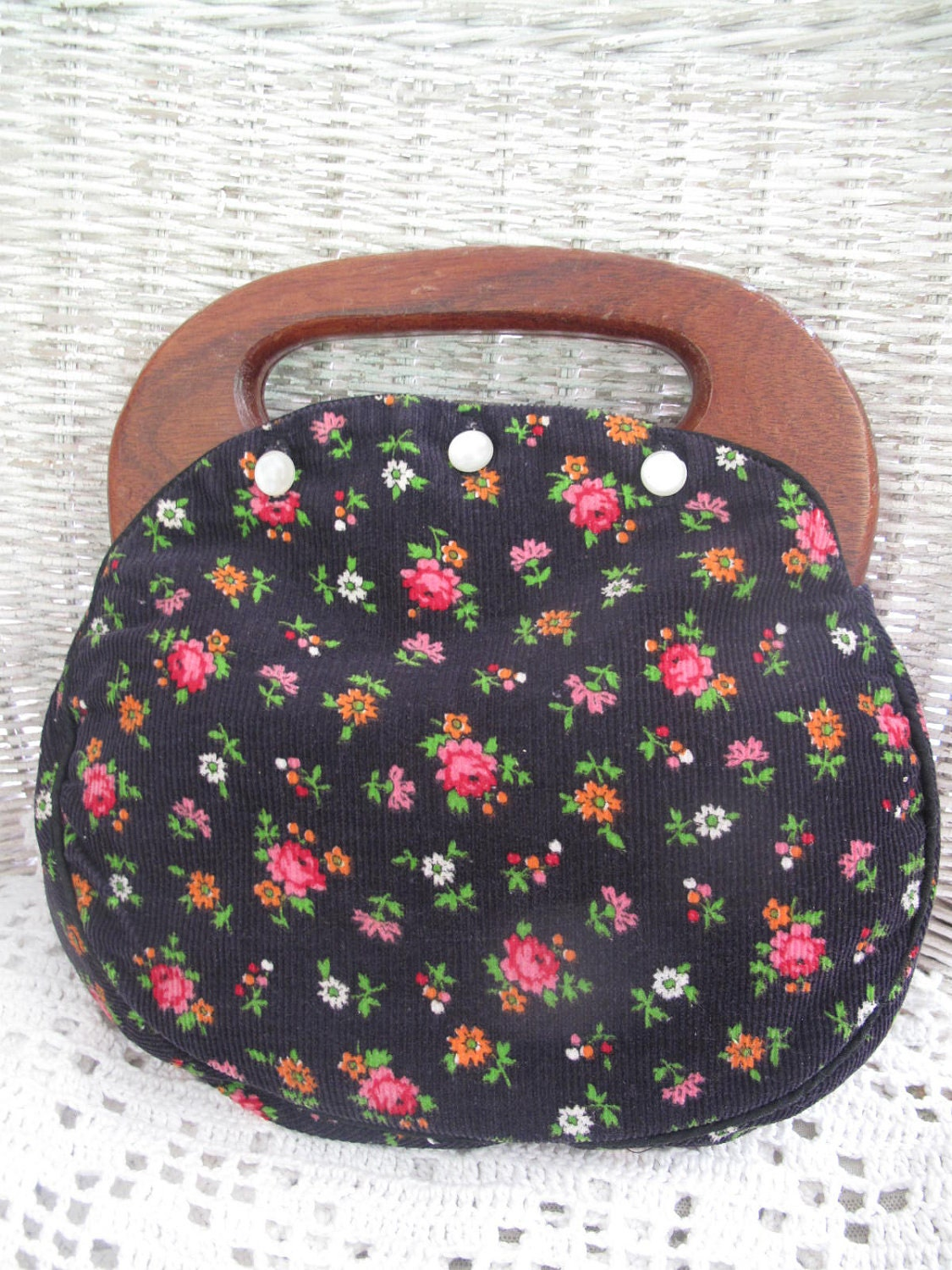 Changeable Wooden Handle Purse With Button On Covers