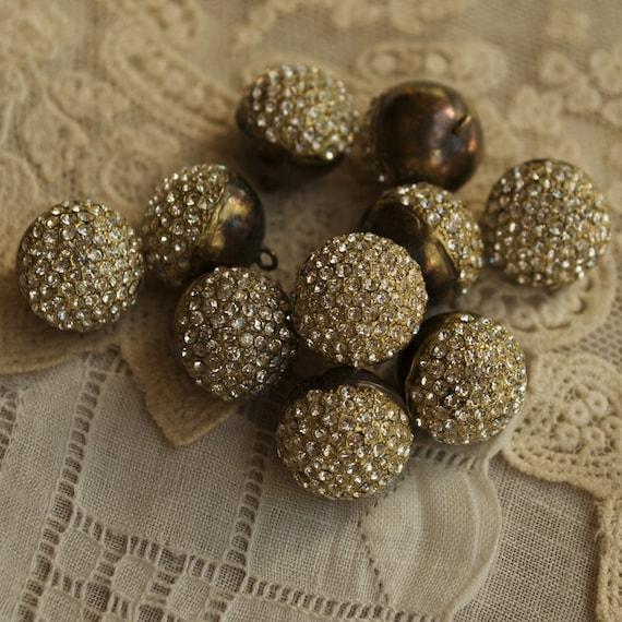 5 PENDANTS/CHARMS Vintage Rhinestone Brass Buttons