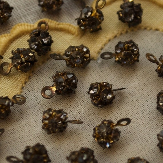 12 Tiny Rhinestone Drops Vintage Brass 8 X 5 mm Bead Balls