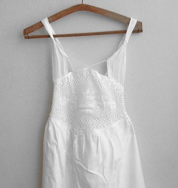 White Large size halter summer  dress within crochet lace/romantic backless  wedding Bridal  dress  eco friendly wedding dress