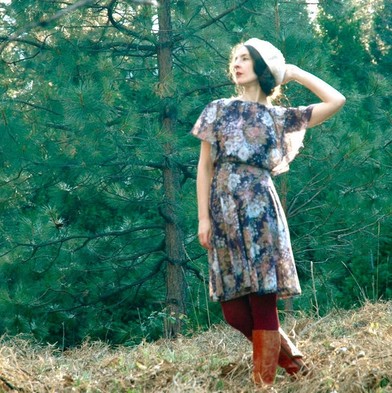 1970s Floral Dress... Blue Floral Boho Dress... WILL O THE WISP (s)