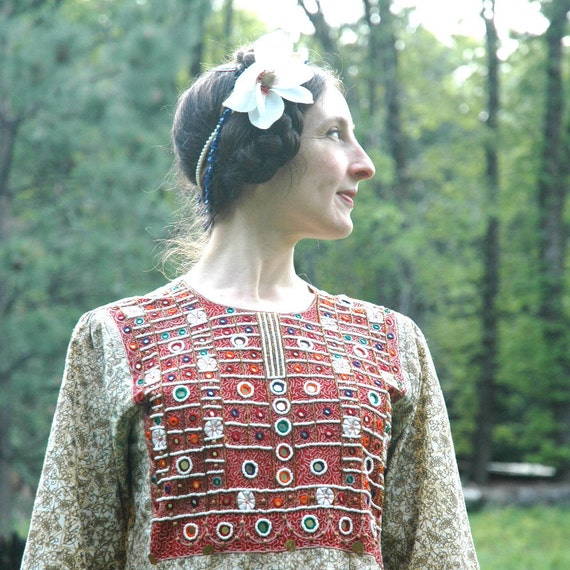 SALE... Indian Dress... Elaborate Embroidery and Mirrors... Ethnic Dress... MIRRORED KINGDOM (s/m)