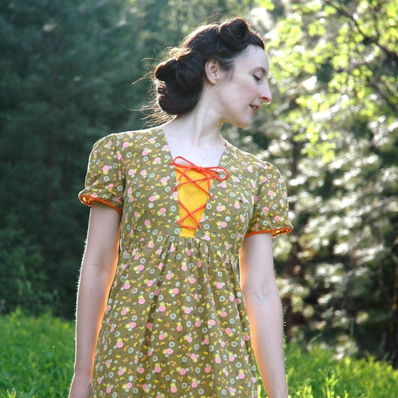 1970s Folk Dress... Fairy Tale Boho Dress... MORI GIRL (s/m)