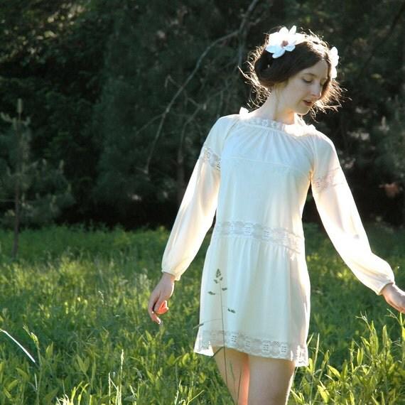 1960s White Slip Dress... Lace Trim... BOHO DOLLY (s)