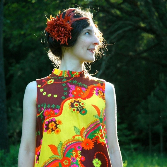 60s Tropical Dress... 1960s Psychedelic Hawaiian Dress... Hippie Sundress...  DREAMING in FLOWERS (s/m)