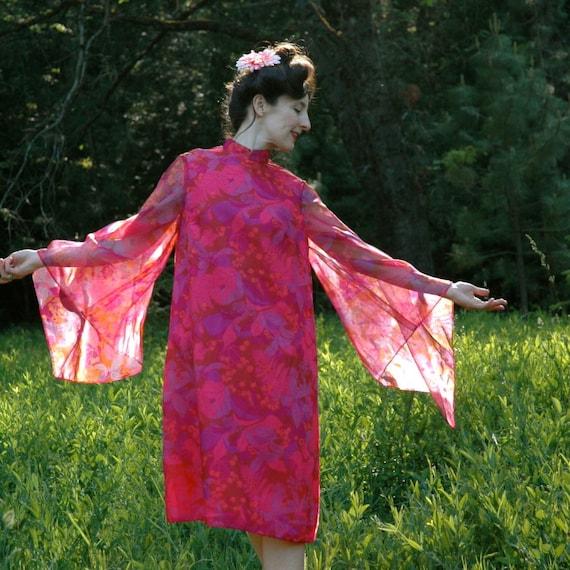 SALE... Vintage 1960s Hippie Dress... 60s Flower Child Dress.... Semi Sheer Sleeves.... ROSE Colored GLASSES (m)