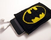 iPod\/Cell Phone Cozy \/ Case with Back Pocket for Ear Bud Storage - Batman Applique