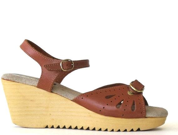 size 8 vintage 1970s RAPALLO sawtooth platform sandals