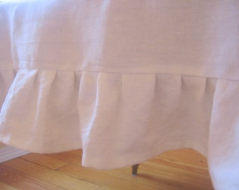 Ruffled Linen Tablecloth 60x84