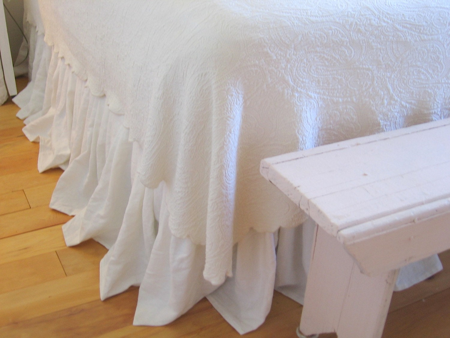 The Annabelle Linen Dust Ruffle Queen Size