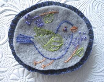 Happy Birdie Embroidered Felt Brooch