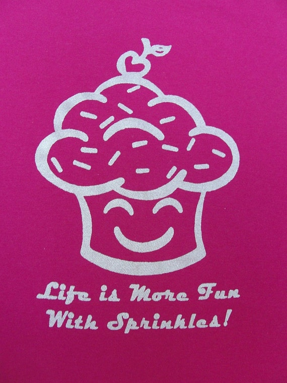 Sale 50% off!  Small T-shirt  - Pink Happy Cupcake