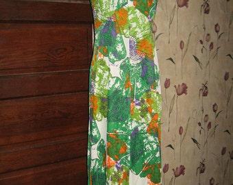 1960s-70s    Atomic print long maxi dress  ruffled collar   sz  12