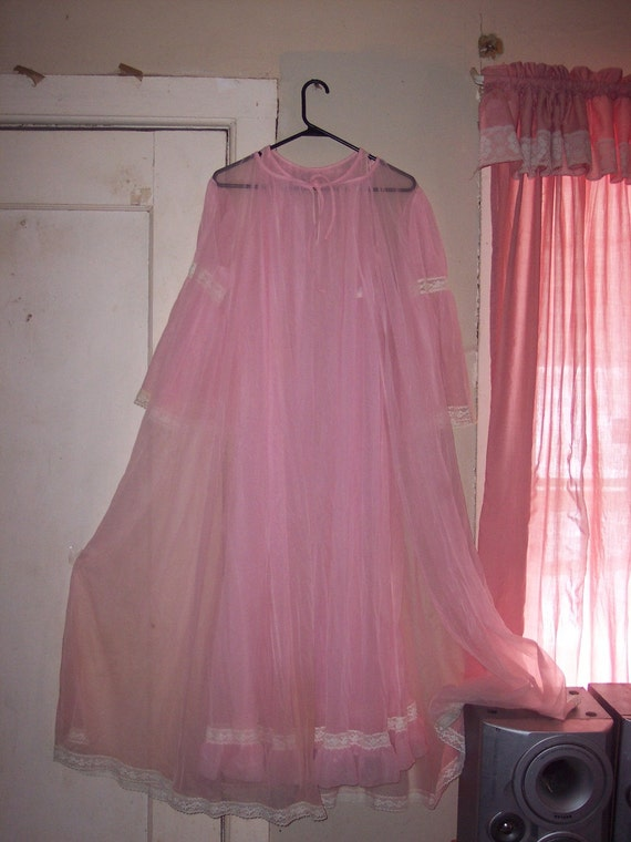 Vintage Pink Sheer Nylon And Lace Long Peignoir Amp Nightgown