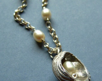 Shell Pearl Necklace - Large
