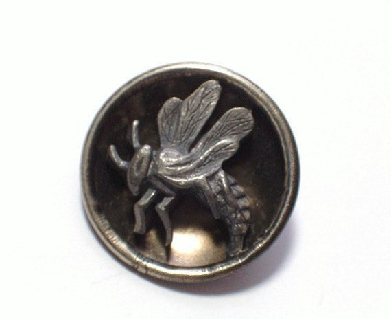 Antique Wasp Hornet Steel Cup Metal Button for Your Collection