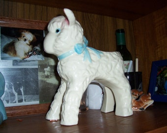 Hull Lamb Planter, ADORABLE..  Great gift for the new baby.  PRICE REDUCED